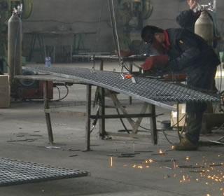 格栅板焊接
