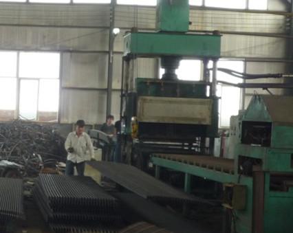 钢格板压焊设备