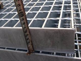 厂家直销Q235材质热镀锌钢格板