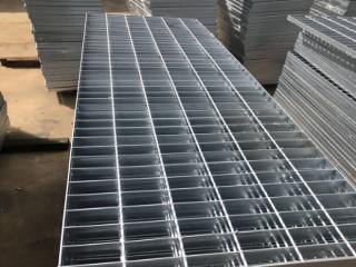 广州岗顶钢格板厂 井盖 雨篦子 排水沟盖板现货