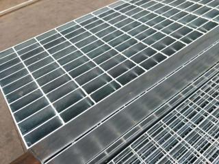 河南鹤壁平台镀锌钢格板