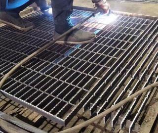 热镀锌钢格栅板生产厂家