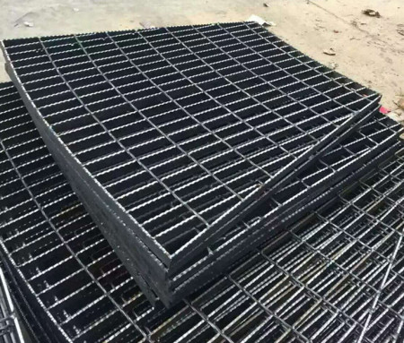 热镀锌扇型钢格板厂家——325/30/50钢格栅板