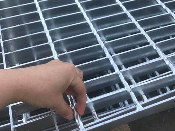 「钢格板」热镀锌钢格板的主要特点有什么?